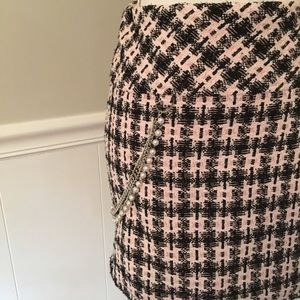 Forever 21 Skirts - F21 pink, sparkly black tweed skirt, pearl accent